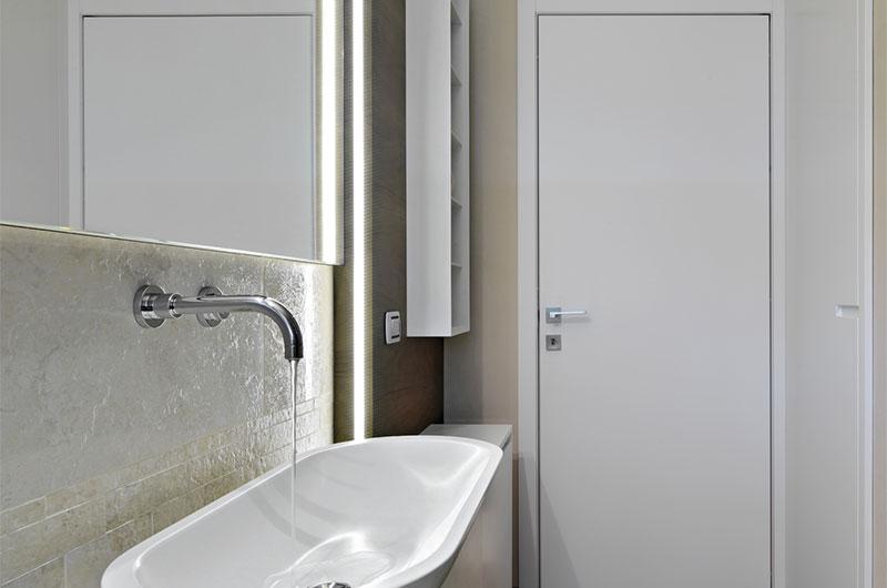 badezimmertür weiß